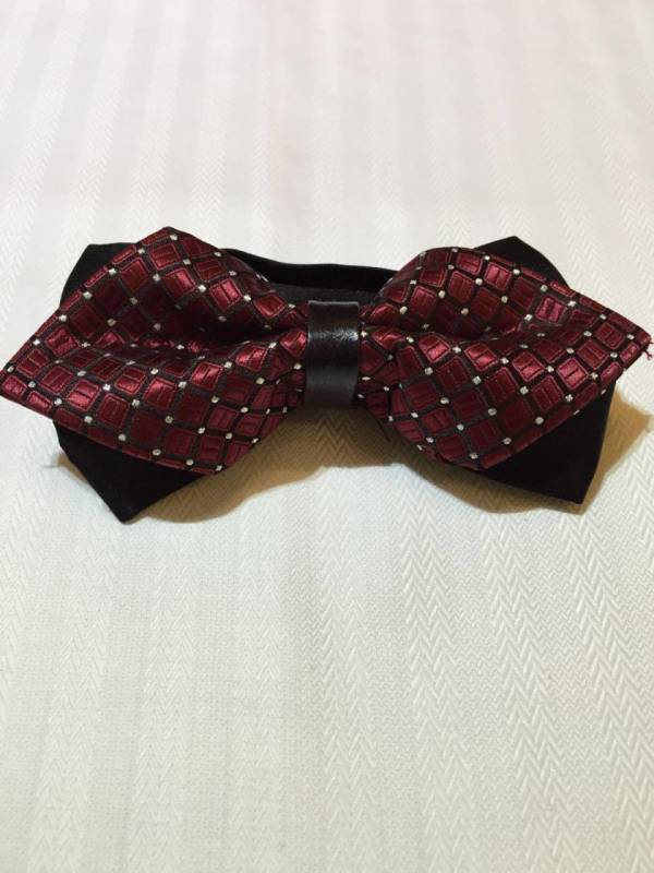 Maroon Dotted Bowtie